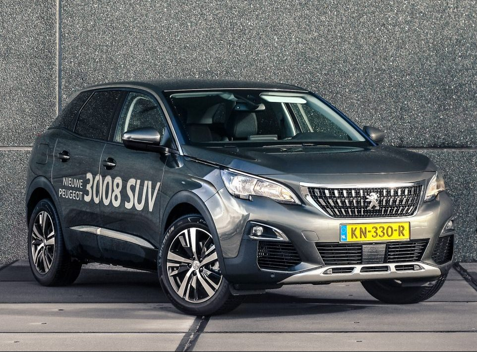 Rijtest peugeot 3008 suv 1 6 bluehdi allure weekblad de for Interieur 3008 allure